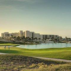 Park Hyatt Abu Dhabi Hotel & Villas спортивное сооружение