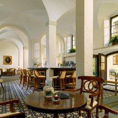 Отель The Westin Bellevue Dresden Германия, Дрезден - 3 отзыва об отеле, цены и фото номеров - забронировать отель The Westin Bellevue Dresden онлайн интерьер отеля