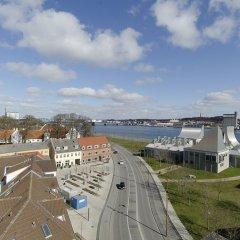 Отель CABINN Aalborg Hotel Дания, Алборг - отзывы, цены и фото номеров - забронировать отель CABINN Aalborg Hotel онлайн приотельная территория