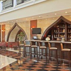 Crowne Plaza Hotel Antalya Турция, Анталья - 10 отзывов об отеле, цены и фото номеров - забронировать отель Crowne Plaza Hotel Antalya онлайн гостиничный бар