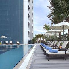Atana Hotel бассейн