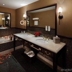 Отель Plaza Athenee США, Нью-Йорк - отзывы, цены и фото номеров - забронировать отель Plaza Athenee онлайн ванная