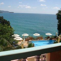 Отель Baan Karon Hill Phuket Resort балкон