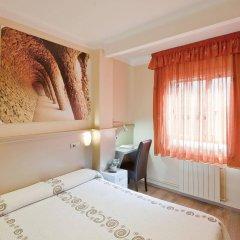 Отель Hostal Barcelona комната для гостей фото 2