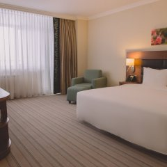 Гостиница Hilton Garden Inn Красноярск комната для гостей фото 4