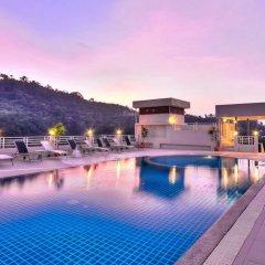 Отель The Ashlee Plaza Patong Hotel & Spa Таиланд, Карон-Бич - 1 отзыв об отеле, цены и фото номеров - забронировать отель The Ashlee Plaza Patong Hotel & Spa онлайн бассейн