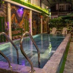 Отель Ngo Homestay Хойан бассейн фото 3