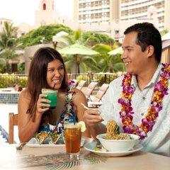 Отель Waikiki Beachcomber by Outrigger бассейн фото 3