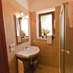 Отель La Piccola Corte Альберобелло ванная