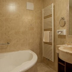 Отель Alphotel Tyrol Рачинес-Ратскингс ванная фото 2