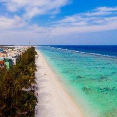Отель Crystal Beach Inn Мале пляж