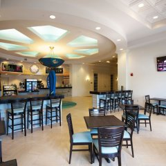 Отель Portofino Hotel, an Ascend Hotel Collection Member США, Виксбург - отзывы, цены и фото номеров - забронировать отель Portofino Hotel, an Ascend Hotel Collection Member онлайн гостиничный бар