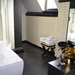 Отель Floris Hotel Bruges Бельгия, Брюгге - 7 отзывов об отеле, цены и фото номеров - забронировать отель Floris Hotel Bruges онлайн ванная