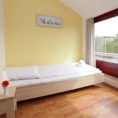 Отель a&o Düsseldorf Hauptbahnhof комната для гостей фото 3