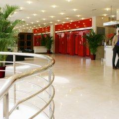 Expo Hotel фитнесс-зал