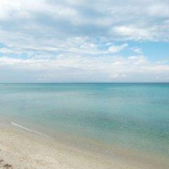 Отель Tricot Beachfront House Pefkohori Греция, Пефкохори - отзывы, цены и фото номеров - забронировать отель Tricot Beachfront House Pefkohori онлайн пляж фото 2