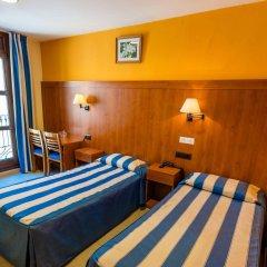 Hotel Canton сейф в номере