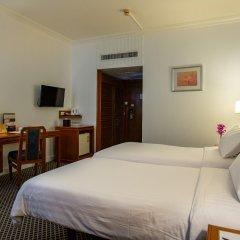 Отель The Tawana Bangkok сейф в номере
