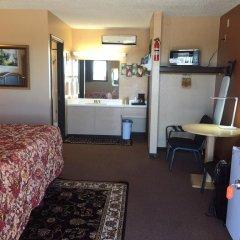 Отель La Siesta Motel & RV Resort удобства в номере