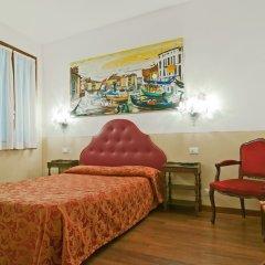 Отель Fenice Apartments in Venice Италия, Венеция - отзывы, цены и фото номеров - забронировать отель Fenice Apartments in Venice онлайн комната для гостей фото 2