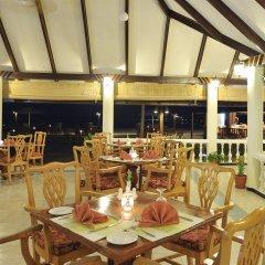 Отель Holiday Island Resort & Spa питание фото 2