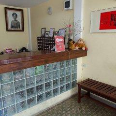 Отель Zen Rooms Siripong Road Бангкок интерьер отеля фото 3
