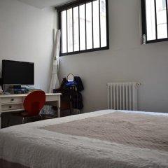Апартаменты Spacious 2 Bedroom Loft Style Apartment комната для гостей фото 2