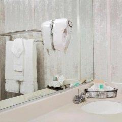 Отель Travelodge Hotel at LAX США, Лос-Анджелес - отзывы, цены и фото номеров - забронировать отель Travelodge Hotel at LAX онлайн ванная