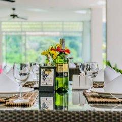 Отель L'esprit de Naiyang Beach Resort гостиничный бар