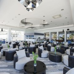 Отель Flora Garden Beach Club - Adults Only гостиничный бар