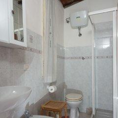 Отель Guest House Santambrogio Италия, Флоренция - отзывы, цены и фото номеров - забронировать отель Guest House Santambrogio онлайн ванная фото 3