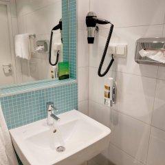 Отель MEININGER Hotel Wien Downtown Franz Австрия, Вена - 5 отзывов об отеле, цены и фото номеров - забронировать отель MEININGER Hotel Wien Downtown Franz онлайн ванная