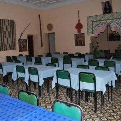 Отель Hôtel La Gazelle Ouarzazate Марокко, Уарзазат - отзывы, цены и фото номеров - забронировать отель Hôtel La Gazelle Ouarzazate онлайн помещение для мероприятий