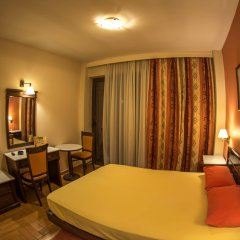 Hotel Chris комната для гостей