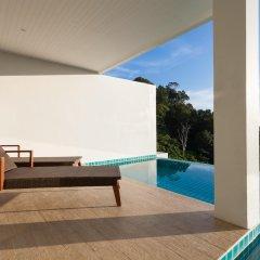 Отель Amala Grand Bleu Resort бассейн