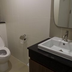 Апартаменты Modernbright Service Apartment Бангламунг ванная