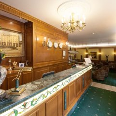 Отель Grand Hotel London Болгария, Варна - 1 отзыв об отеле, цены и фото номеров - забронировать отель Grand Hotel London онлайн гостиничный бар