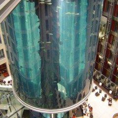 Отель Park - Aqua Dom & Sea Life Berlin Германия, Берлин - отзывы, цены и фото номеров - забронировать отель Park - Aqua Dom & Sea Life Berlin онлайн бассейн фото 3