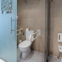 Отель Petit Palace Triball ванная фото 2