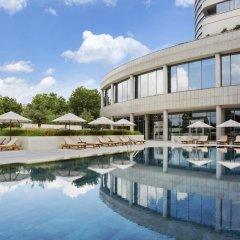 Conrad Istanbul Bosphorus Турция, Стамбул - 3 отзыва об отеле, цены и фото номеров - забронировать отель Conrad Istanbul Bosphorus онлайн бассейн фото 3