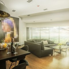 Отель Sky Tower Wroclaw 46th Floor Penthouse Вроцлав интерьер отеля