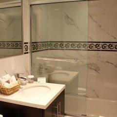 Отель The Deluxe Hotel Vancouver Канада, Ванкувер - отзывы, цены и фото номеров - забронировать отель The Deluxe Hotel Vancouver онлайн ванная фото 2