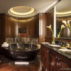 Отель Rosewood Washington, D.C. США, Вашингтон - отзывы, цены и фото номеров - забронировать отель Rosewood Washington, D.C. онлайн ванная фото 2