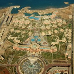 The Club Golden 5 Hotel & Resort пляж