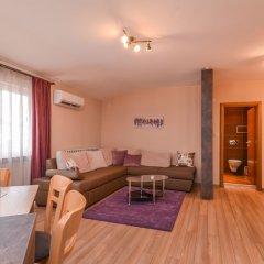 Отель FM Deluxe 2-BDR - Apartment - The Maisonette Болгария, София - отзывы, цены и фото номеров - забронировать отель FM Deluxe 2-BDR - Apartment - The Maisonette онлайн комната для гостей фото 2