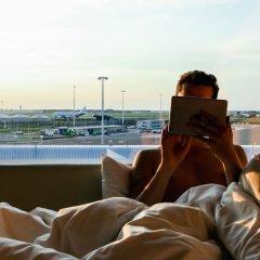 Отель citizenM Schiphol Airport Нидерланды, Схипхол - 4 отзыва об отеле, цены и фото номеров - забронировать отель citizenM Schiphol Airport онлайн приотельная территория
