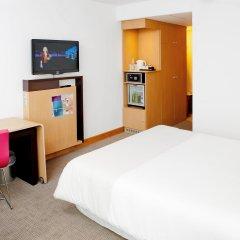 Отель Novotel Wroclaw City 3* Улучшенный номер с разными типами кроватей
