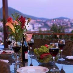 Villa Lycia View by Akdenizvillam Турция, Калкан - отзывы, цены и фото номеров - забронировать отель Villa Lycia View by Akdenizvillam онлайн питание фото 2