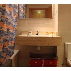 Отель Ficus 4 Испания, Льорет-де-Мар - отзывы, цены и фото номеров - забронировать отель Ficus 4 онлайн ванная фото 2