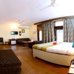 Отель Fabhotel Kailash Colony Metro Station комната для гостей фото 3